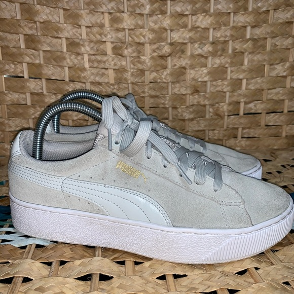 Puma Vikky Platform Life Style Shoes Womens